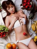 日本性感女星小仓优子化身女仆秀色可餐