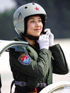 揭秘:中国歼击机女飞行员训练生活照