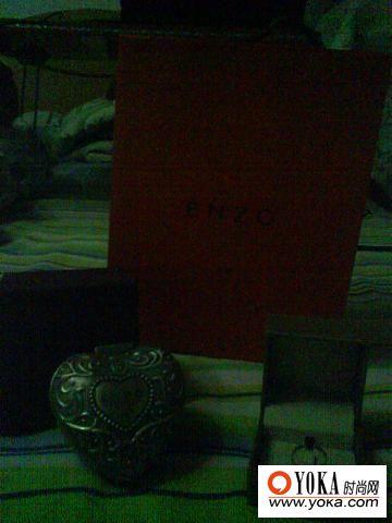 送给老妈的生日礼物,enzo戒指 高清图片