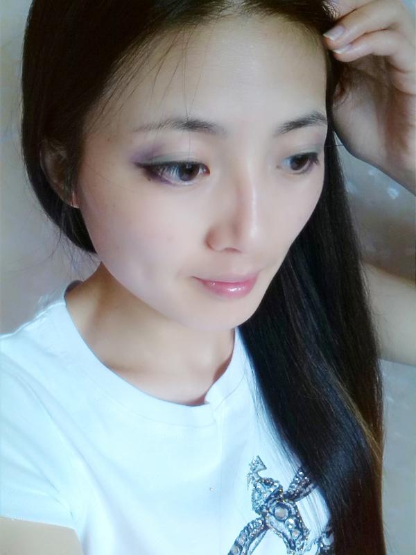 【甜心】七夕来临之际,教你几秒钟即可搞定百搭小清新妆