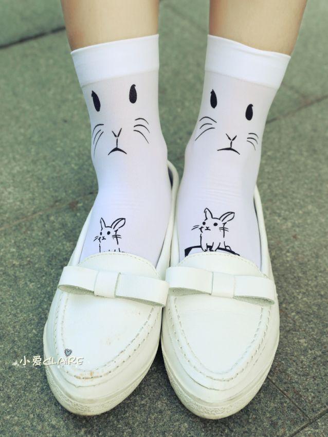 袜子搭配小白鞋
