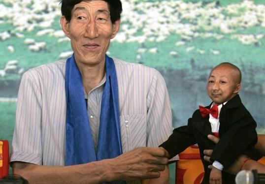 盘点中国人创造的奇葩吉尼斯 热衷人海战术(图) - 千里眼 - 千里眼(古弓月长)
