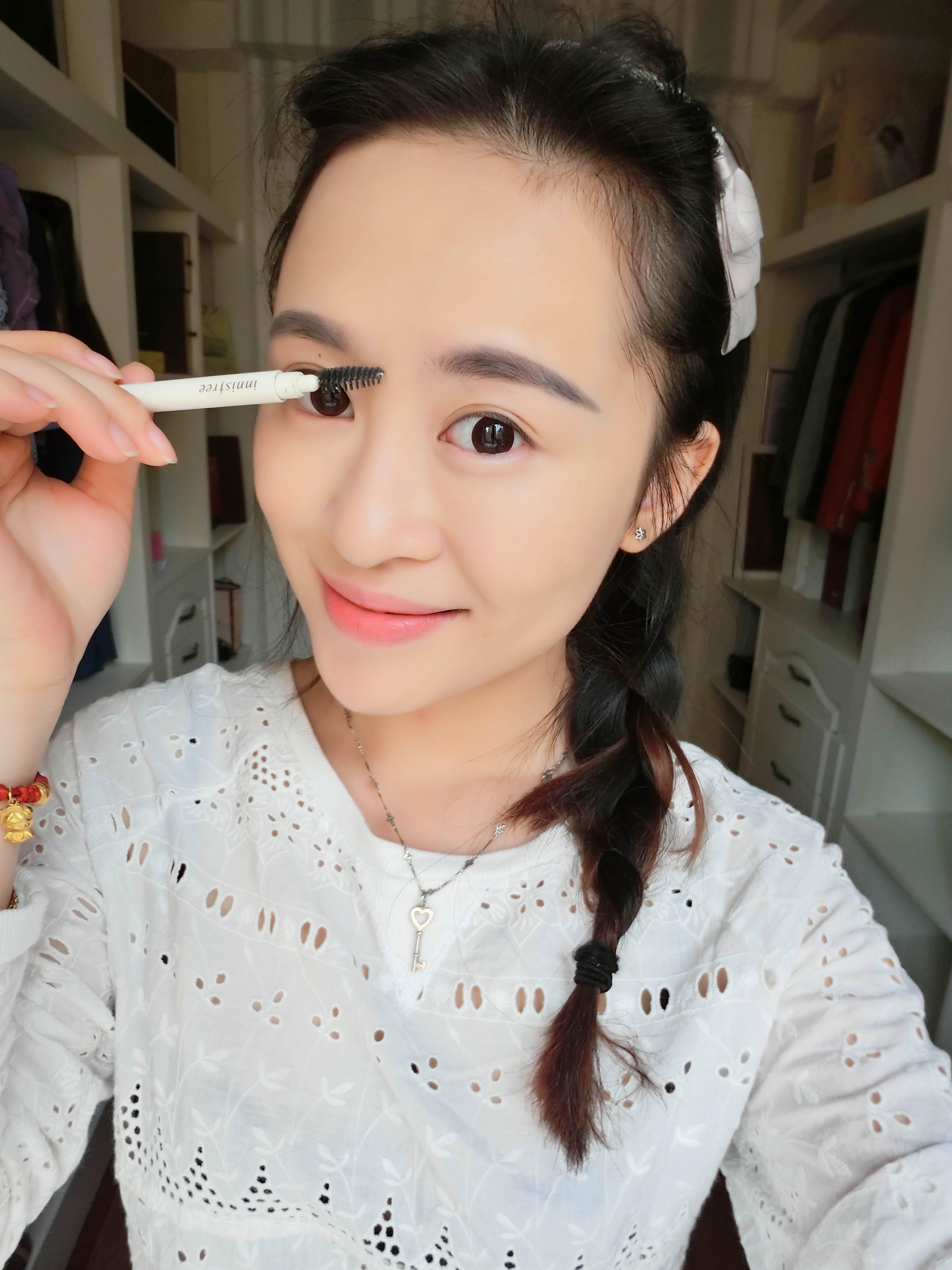 画眉毛-韩系萌女图片