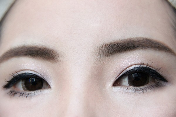 眼妆来几个特写 很简单的步骤