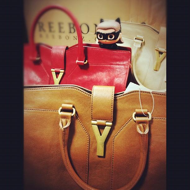 带着包包来开会 Chanel、Miu miu、Gucci、YSL
