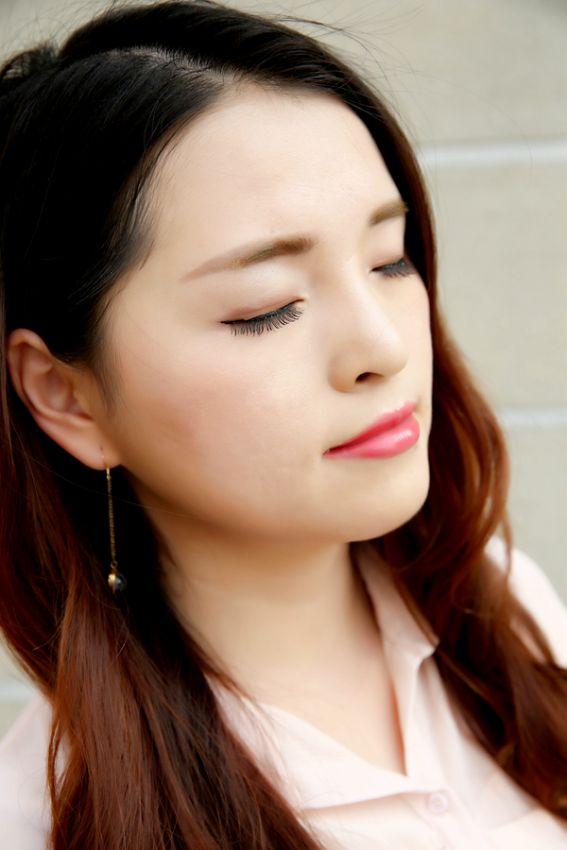 【夏雪】十一出游妆容指南,AGE20'S 精华粉底霜化妆包必备