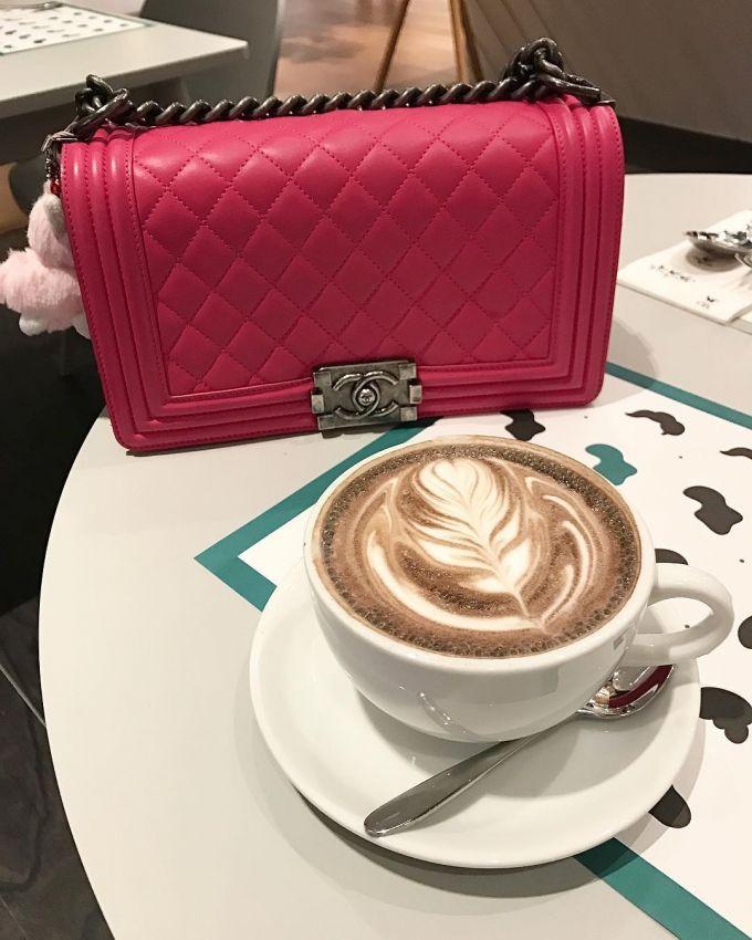 美貌包包鞋子来开会 Hermes、Chanel、Gucci、D&G