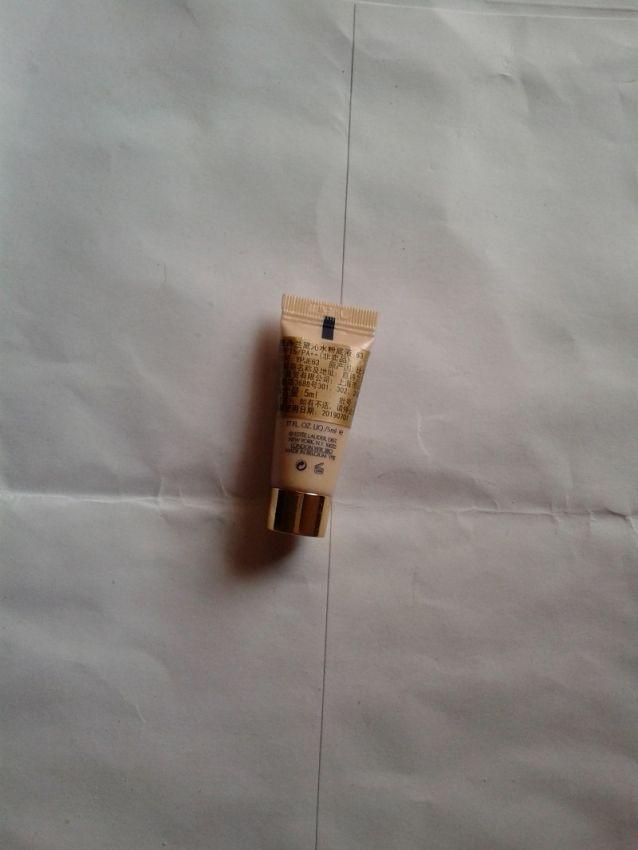 雅诗兰黛沁水粉底液SPF15/PS++防晒修颜威,天成健康美