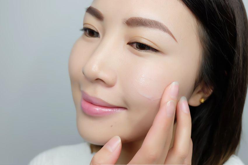 【柚子siluccaya】脸大也可能是老了?OLAY小脸精华帮你提升紧致小脸