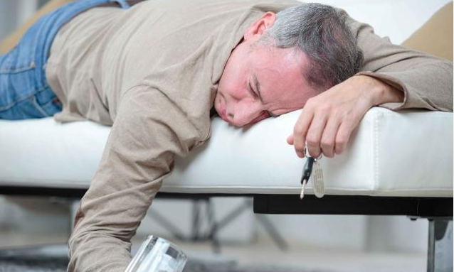 秋季失眠上火吃什么,最近火大的不行,求實用失眠中藥方