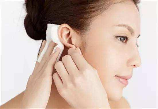 換季皮膚干燥敏感,面膜該怎么敷?